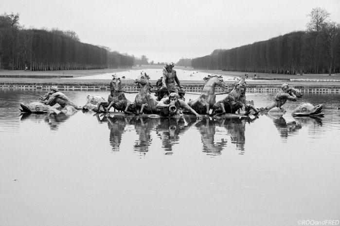 le char d'Apollon, derrière lequel on voit le grand canal