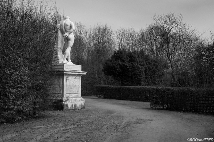 statue d'Hercule Farnese dans le par de Versailles