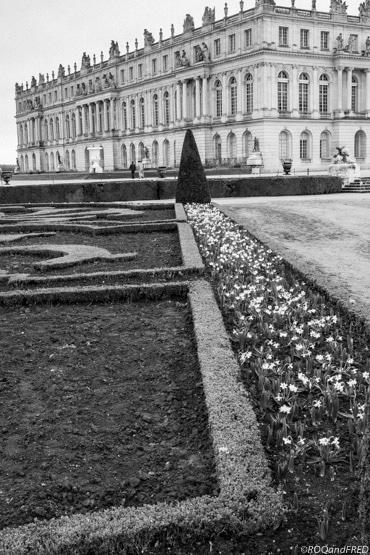 les parterres devant le château de Versailles